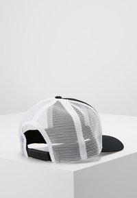 Nike Sportswear - TRUCKER - Kšiltovka - black/white - 2