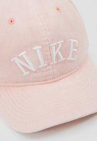 Nike Sportswear - CAP WASH BLOCK - Cappellino - bleached coral - 6