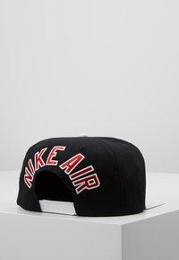 Nike Sportswear - PRO AIR - Pet - black - 2