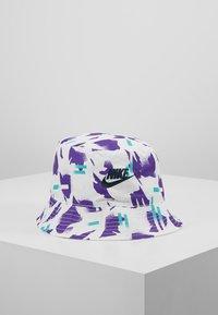 Nike Sportswear - BUCKET FESTIVAL - Hoed - white/obsidian - 0