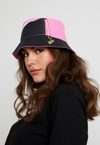 Nike Sportswear - BUCKET CAP - Kapelusz - china rose/white/black - 5
