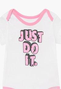 Nike Sportswear - DOT BABY 3 PACK - Body - pink - 4