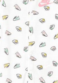 Nike Sportswear - BABY - Pyžamo - white - 3