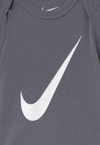 Nike Sportswear - BABY 3 PACK - Geboortegeschenk - pink/white - 5