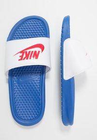 Nike Sportswear - BENASSI JDI - Rantasandaalit - game royal/universe red/white - 1