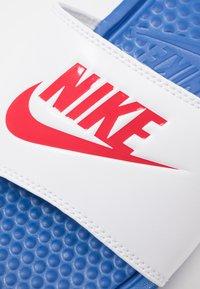 Nike Sportswear - BENASSI JDI - Rantasandaalit - game royal/universe red/white - 5