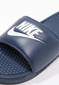 Nike Sportswear - BENASSI JDI - Sandály do bazénu - midnight navy/windchill - 5
