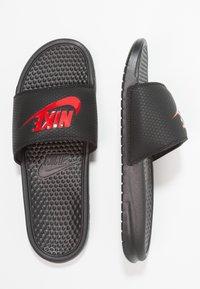 Nike Sportswear - BENASSI JDI - Sandały kąpielowe - black/challenge red - 1