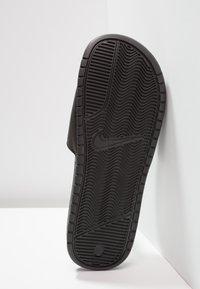 Nike Sportswear - BENASSI JDI - Sandały kąpielowe - black/challenge red - 4