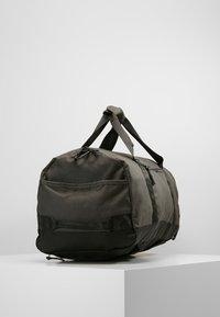 Nixon - PIPES 35L DUFFLE - Weekend bag - black - 3