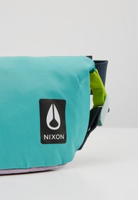 Nixon - TRESTLES HIP PACK - Riñonera - turquoise/pink - 8