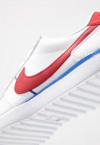 Nike Golf - CORTEZ - Golfschoenen - white/varsity red/varsity royal - 5