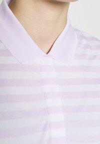 Nike Golf - DRY FAREWAY NOVELTY - Funkční triko - barely grape/white - 4