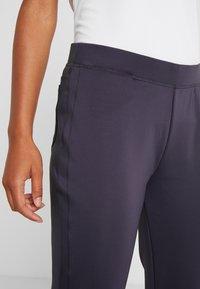 Nike Golf - WOMEN NIKE POWER PANT SLIM  - Pantaloni - gridiron - 3