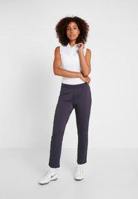 Nike Golf - WOMEN NIKE POWER PANT SLIM  - Pantaloni - gridiron - 1