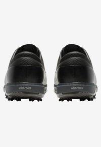 Nike Golf - AIR VICTORY TOUR - Golfové boty - black/chrome/dark grey - 3