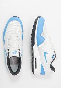 Nike Golf - AIR MAX 1 G - Golfové boty - summit white/university blue/anthracite - 1