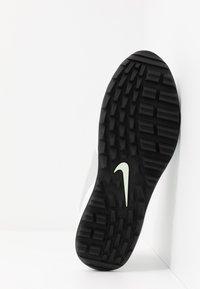 Nike Golf - AIR MAX 1 G - Golfsko - white/jade aura/neutral grey/black - 4
