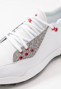 Nike Golf - JORDAN ADG 2 - Golfové boty - white/university red/black - 5