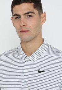 Nike Golf - DRY ESSENTIAL STRIPE - T-shirt de sport - white/black - 3