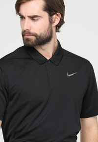 Nike Golf - DRY ESSENTIAL SOLID - Funktionstrøjer - black/cool grey - 3