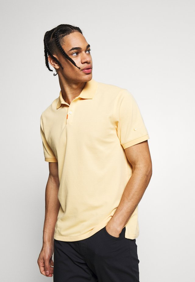 THE NIKE POLO SLIM - Poloshirt - celestial gold