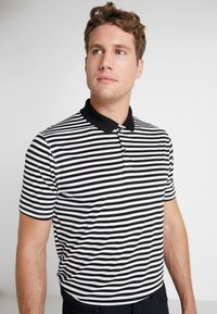 Nike Golf - DRY STRIPE - T-shirt de sport - black/anthracite/cool grey - 0