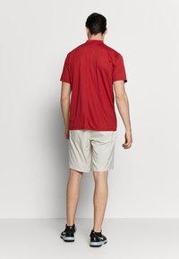 Nike Golf - DRY VICTORY - Funktionstrøjer - sierra red/white - 2