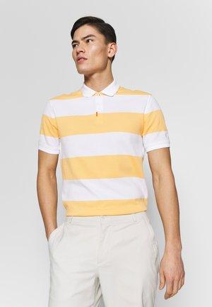 STRIPE SLIM - Polo shirt - celestial gold/white