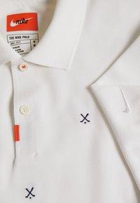 Nike Golf - CHARMS  - Polo shirt - white/obsidian/neptune green - 2