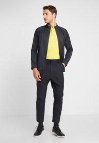 Nike Golf - Vodotěsná bunda - off noir/black/photo blue - 1
