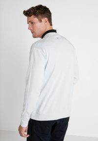 Nike Golf - DRY CREW SWEATER - Klubbkläder - pure platinum - 2
