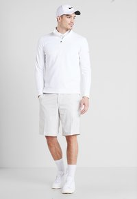 Nike Golf - THERMA REPEL TOP HALF ZIP - Sweat polaire - white - 1