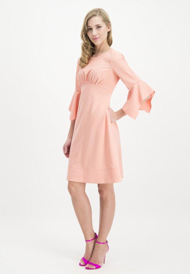 MIT FEMININER  - Shirt dress - salmon