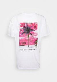 Night Addict - UNISEX KAIRO - T-shirt imprimé - white - 1