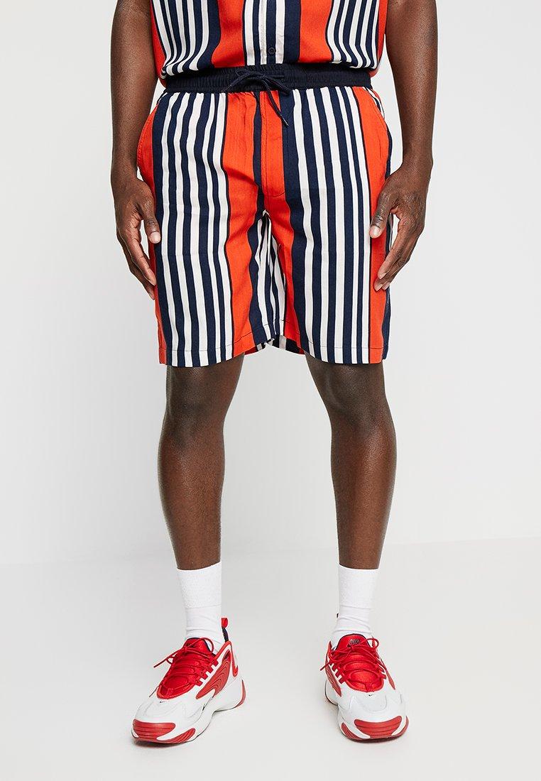 Night Addict - NOAH - Shorts - orange/navy/white