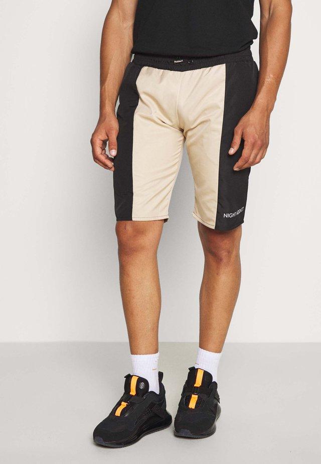 BOBBY - Shorts - black