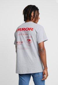 Night Addict - T-shirt con stampa - grey marl - 0