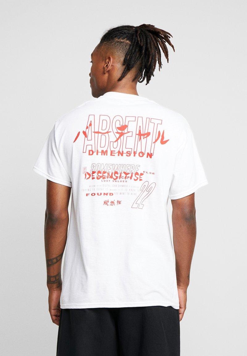 Night Addict - DIMENSION - Print T-shirt - white