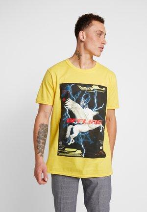 OCARINA - Print T-shirt - neon yellow