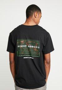 Night Addict - TOUR - T-shirt con stampa - black - 0