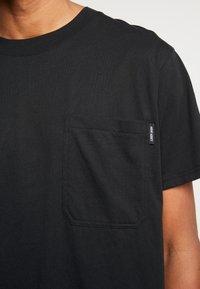 Night Addict - TOUR - T-shirt con stampa - black - 5