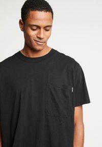 Night Addict - TOUR - T-shirt con stampa - black - 3