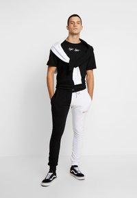 Night Addict - SKULL - Print T-shirt - black - 1