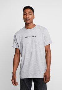 Night Addict - GRID - T-shirt print - grey - 0