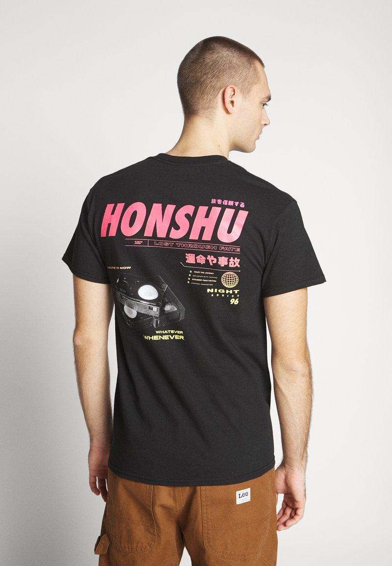 Night Addict - HONSHU - T-shirt con stampa - black