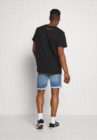 Night Addict - PLAYLIST - Print T-shirt - black - 2
