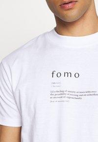 Night Addict - FOMO - Print T-shirt - white - 5