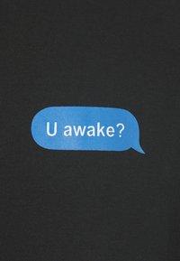 Night Addict - AWAKE - T-shirts med print - black - 3