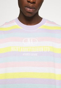 Night Addict - DREAM UNISEX - Print T-shirt - multi pastel - 4